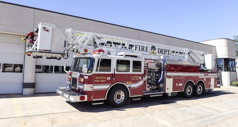 308 – 1993 Pierce Arrow 100 ft Platform 1500 gpm 250 gallon tank