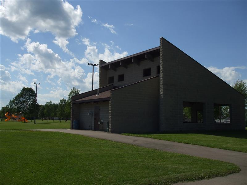 Shirley Theel Memorial Park 018